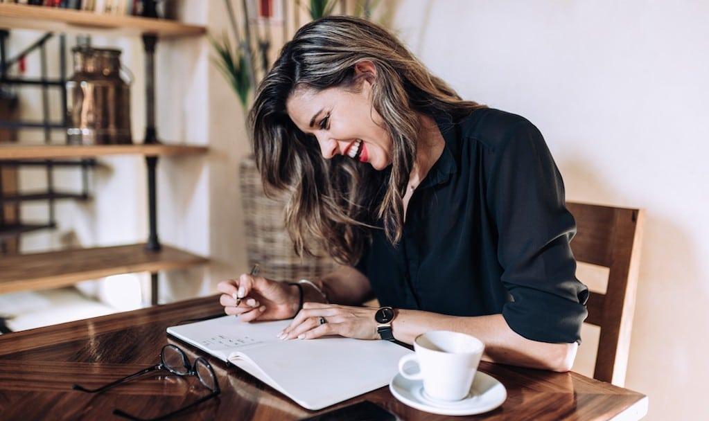 Mit kreativen Schreiben gibst du dir und deinen Gefühlen Ausdruck, auch wenn deine Emotionen nicht ganz eindeutig sind.