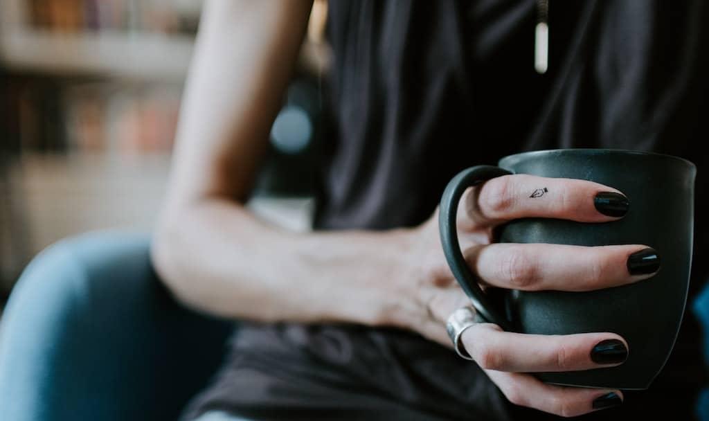 Tee trinken und mitfühlende Gespräche funktionieren auch mit sich selbst.