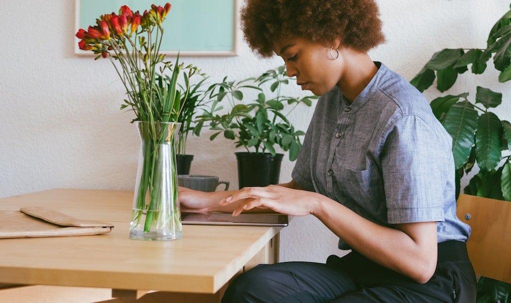 Wenn wir Aufgaben aufschieben und prokrastinieren, hat das oft tiefer sitzende Motive, denen man sich bewusst werden kann.