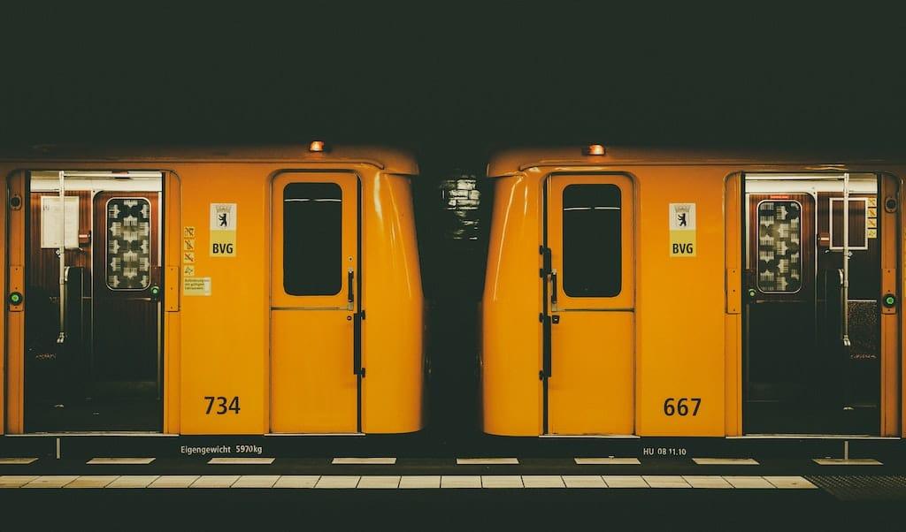 Ein guter Ort zum Trauern: Bus und Bahn